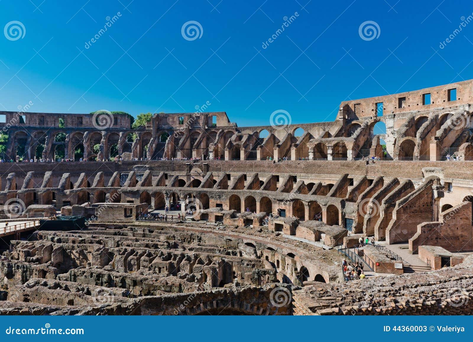 Dentro di Colosseum a Roma, l Italia