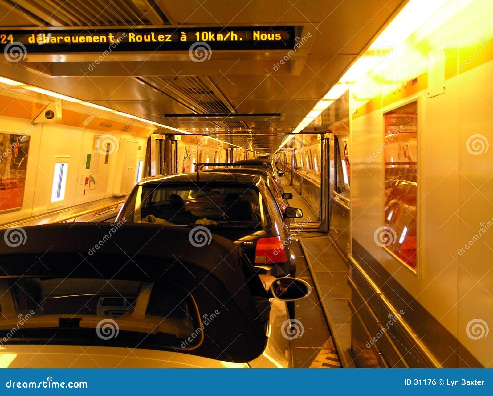 Dentro do túnel do Canal da Mancha