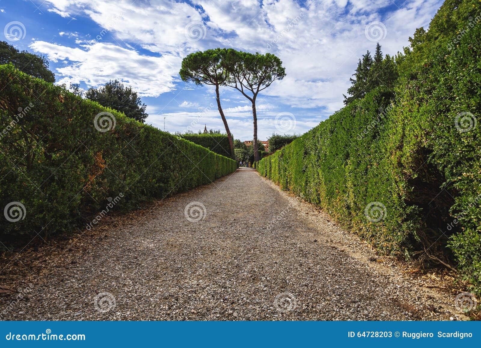 Dentro il giardino di Boboli