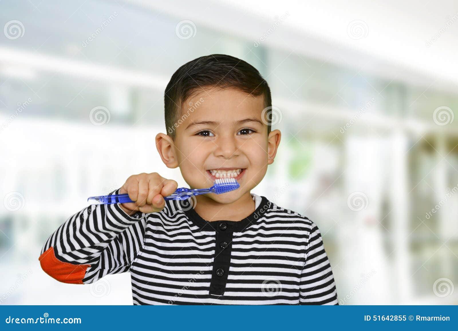 Dents de brossage d enfant