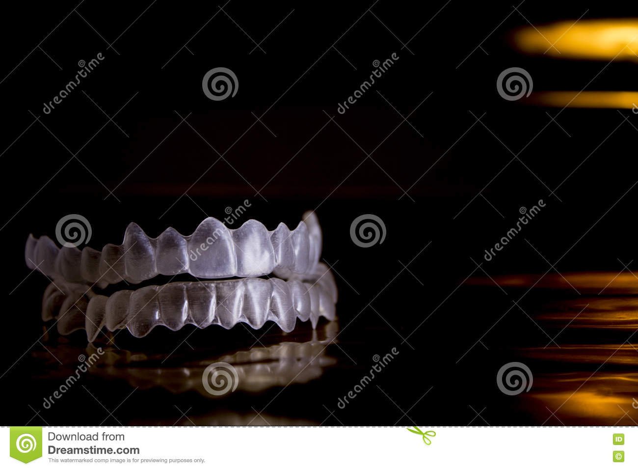 Denture invisible orthodontics