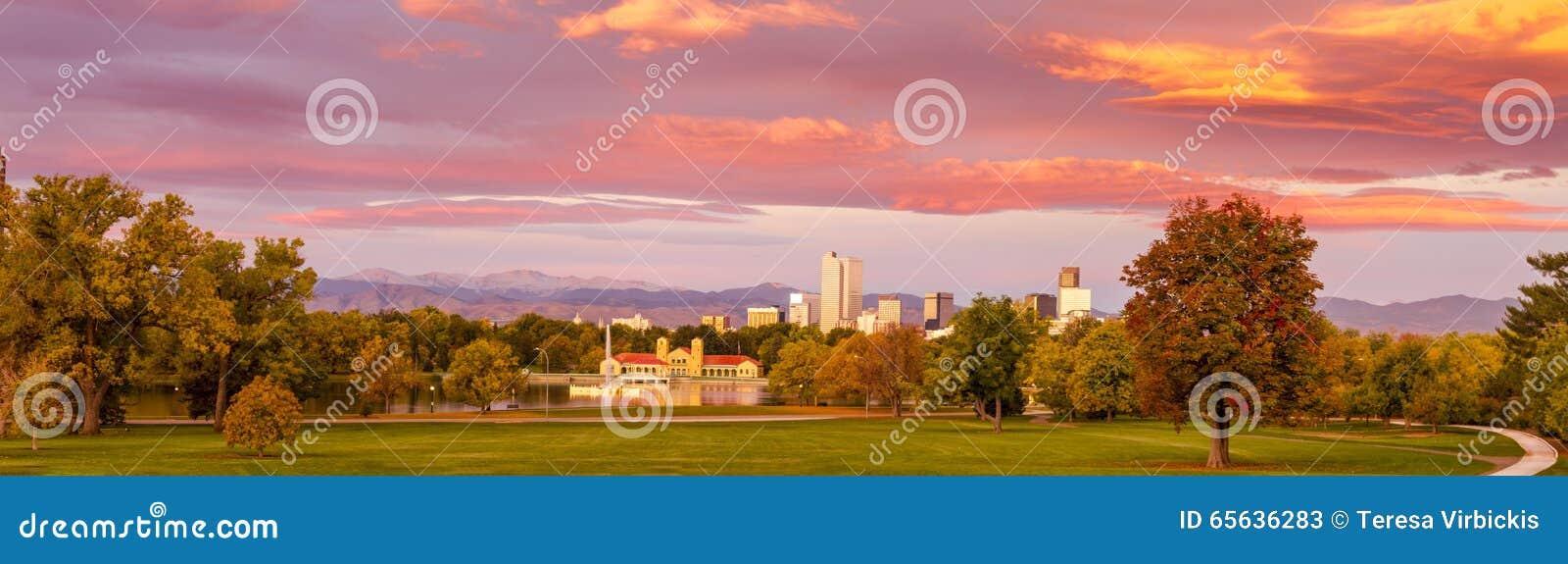 Denver Colorado Skyline de parc de ville