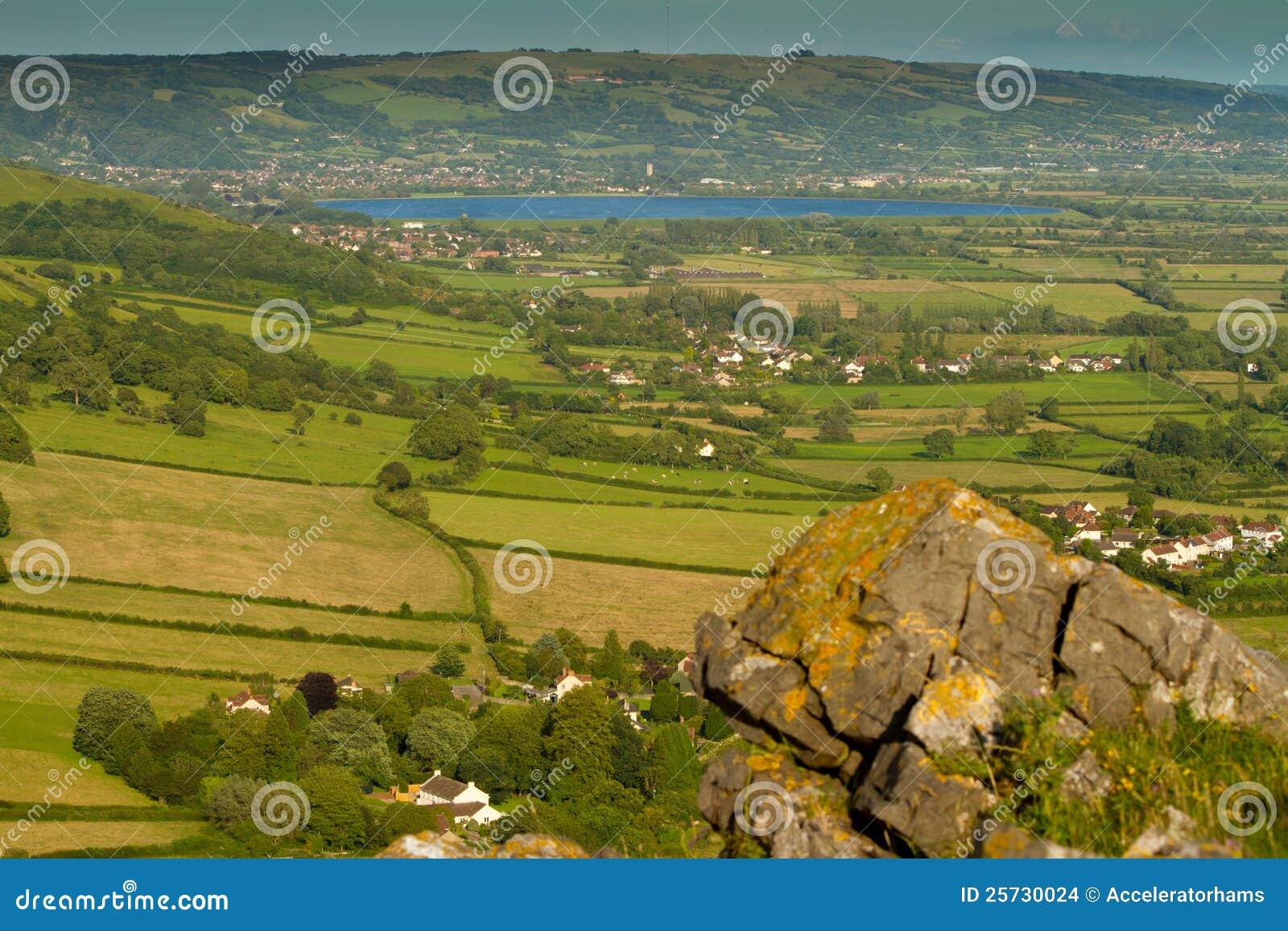 Depósito del Cheddar visto del pico Somerset del ladrón