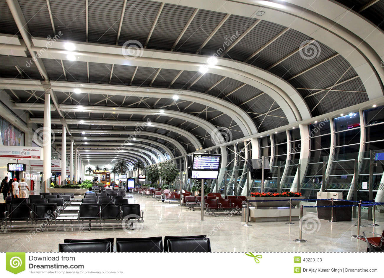 Aeroporto Kuwait : Departure launge of mumbai domestic airport editorial