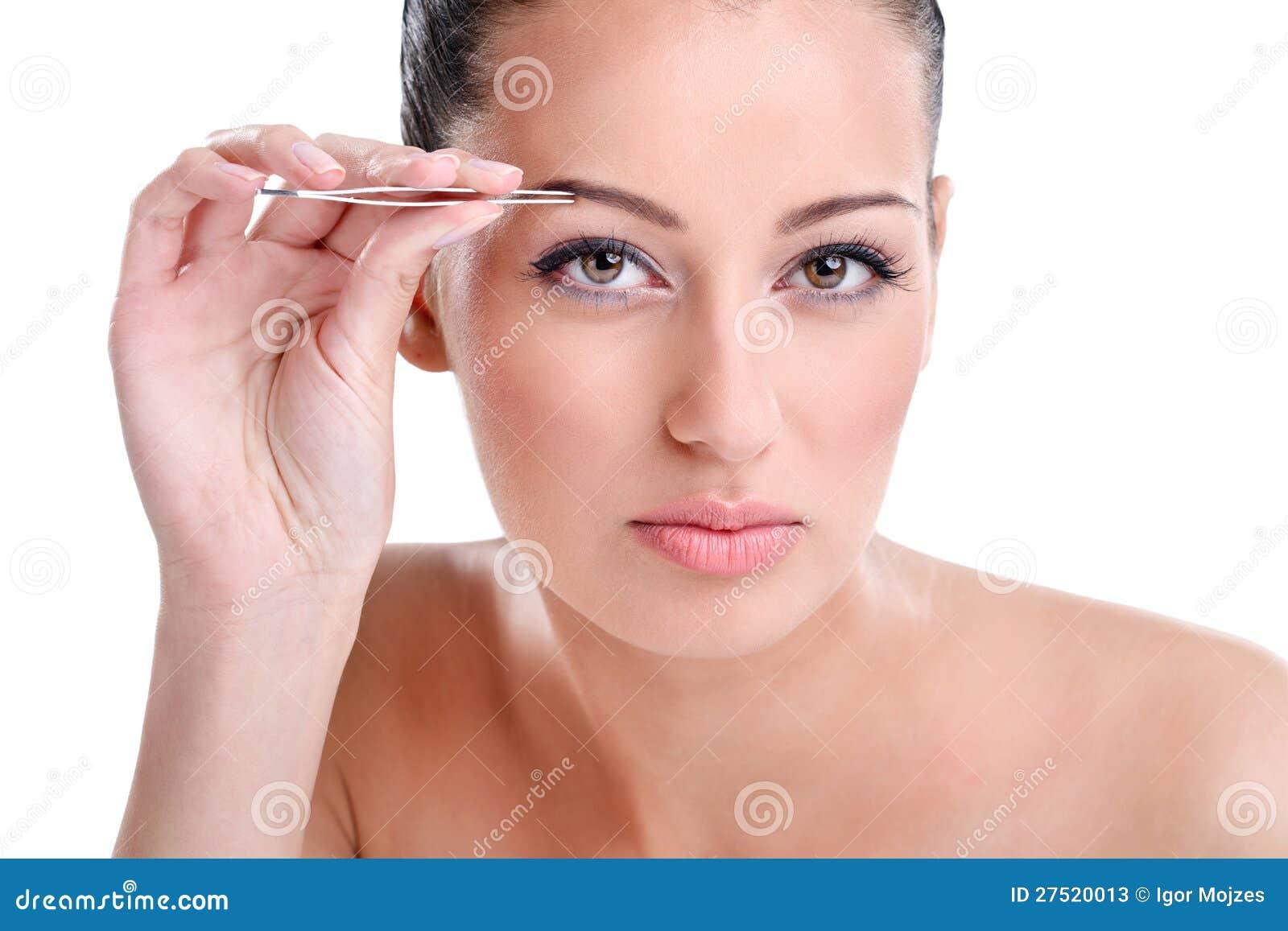 Как подкорректировать уже сделанные брови