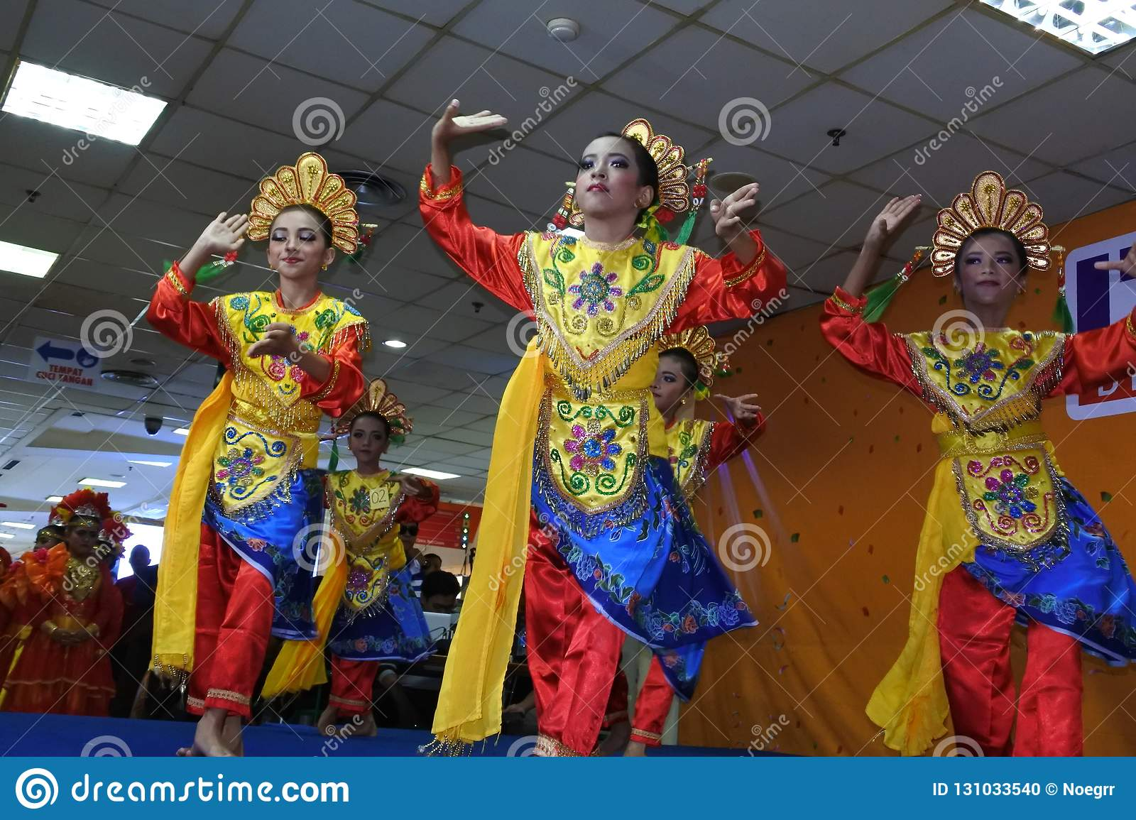 Girls Performing Traditional Indonesian Dance Editorial Image