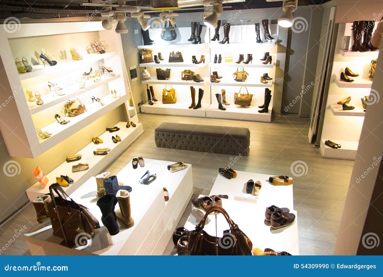 Deposito di scarpe