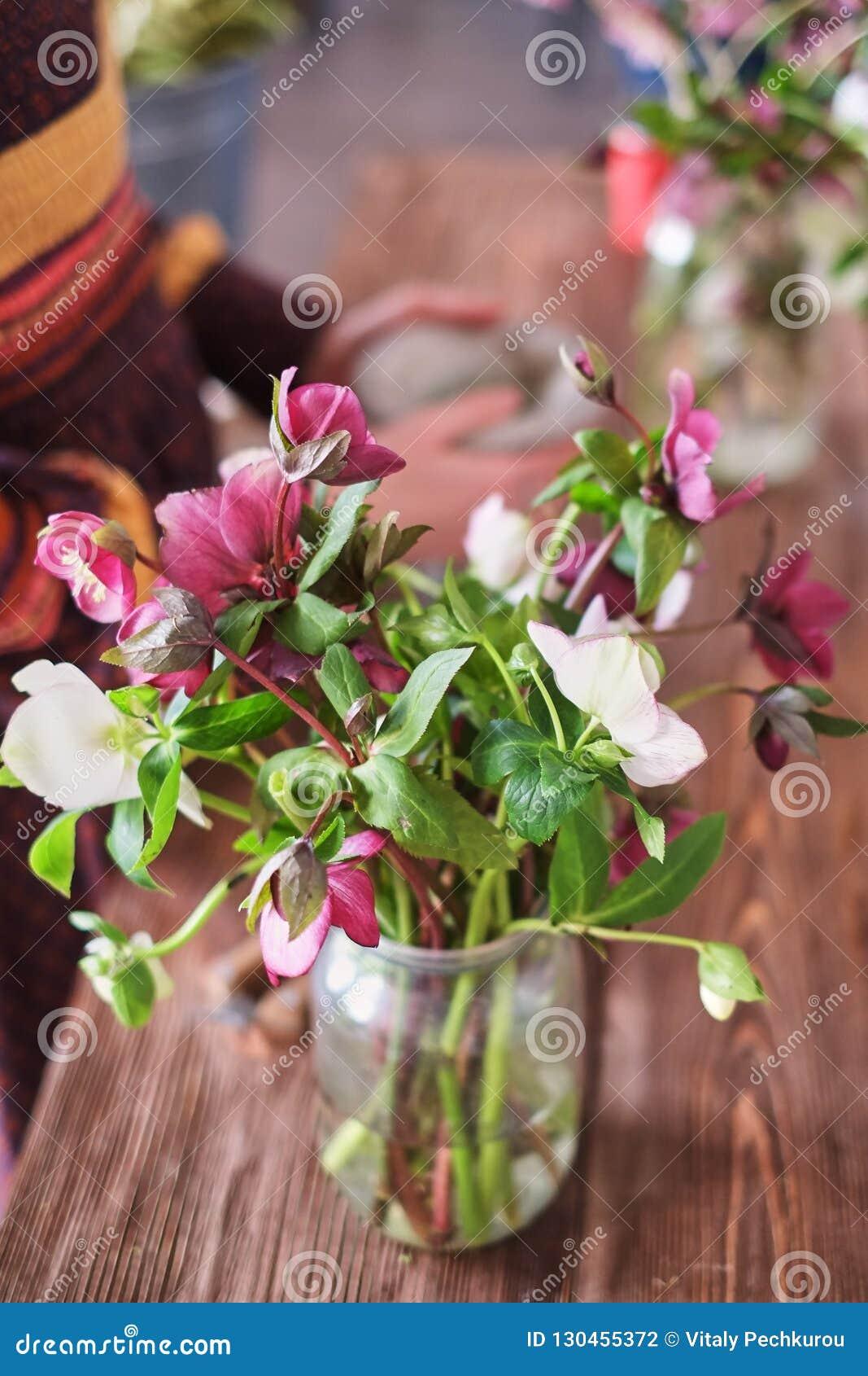 Der Aufbau der Blumen postkarte