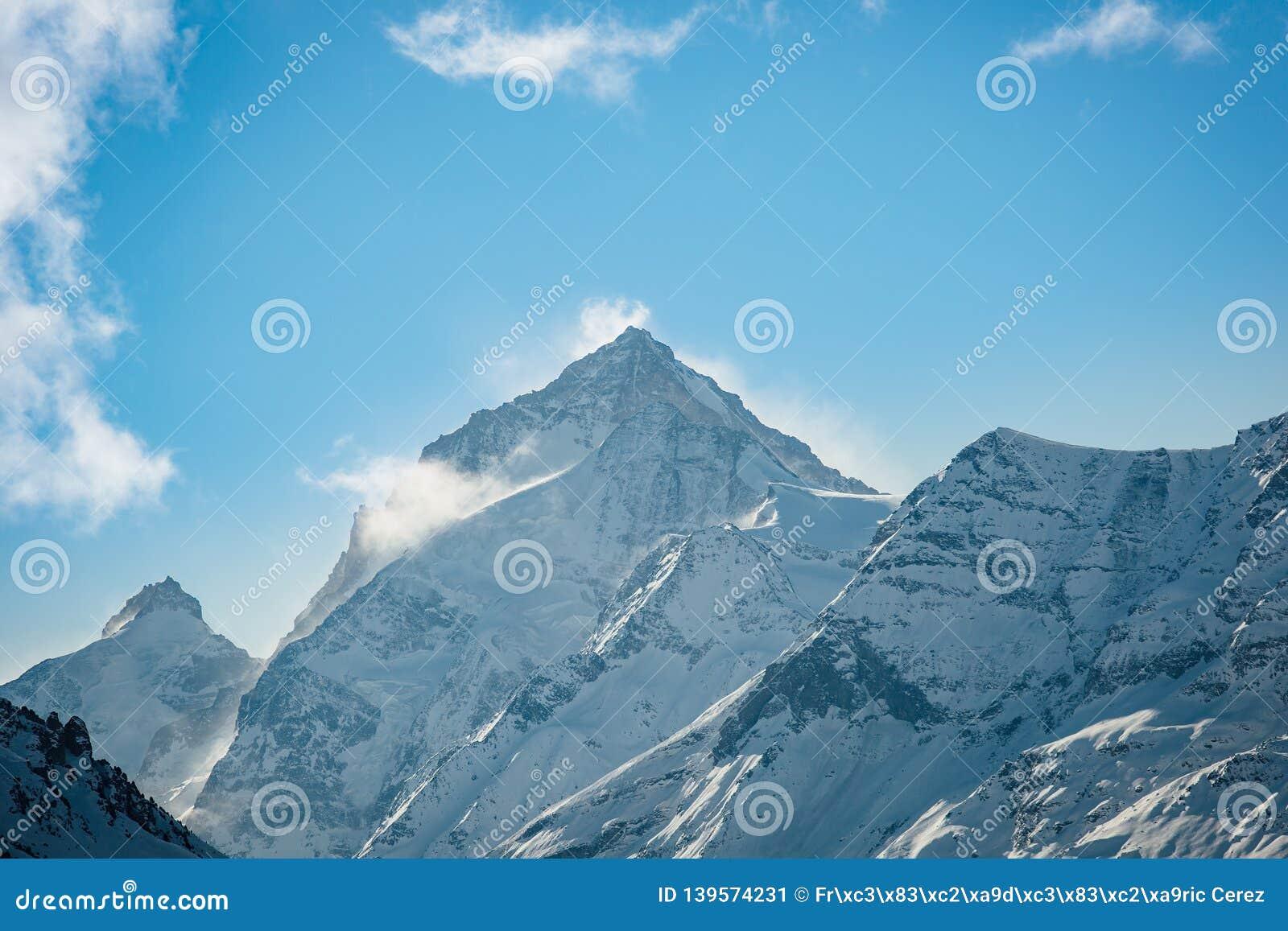 Der Einbuchtung Blanche-Berg