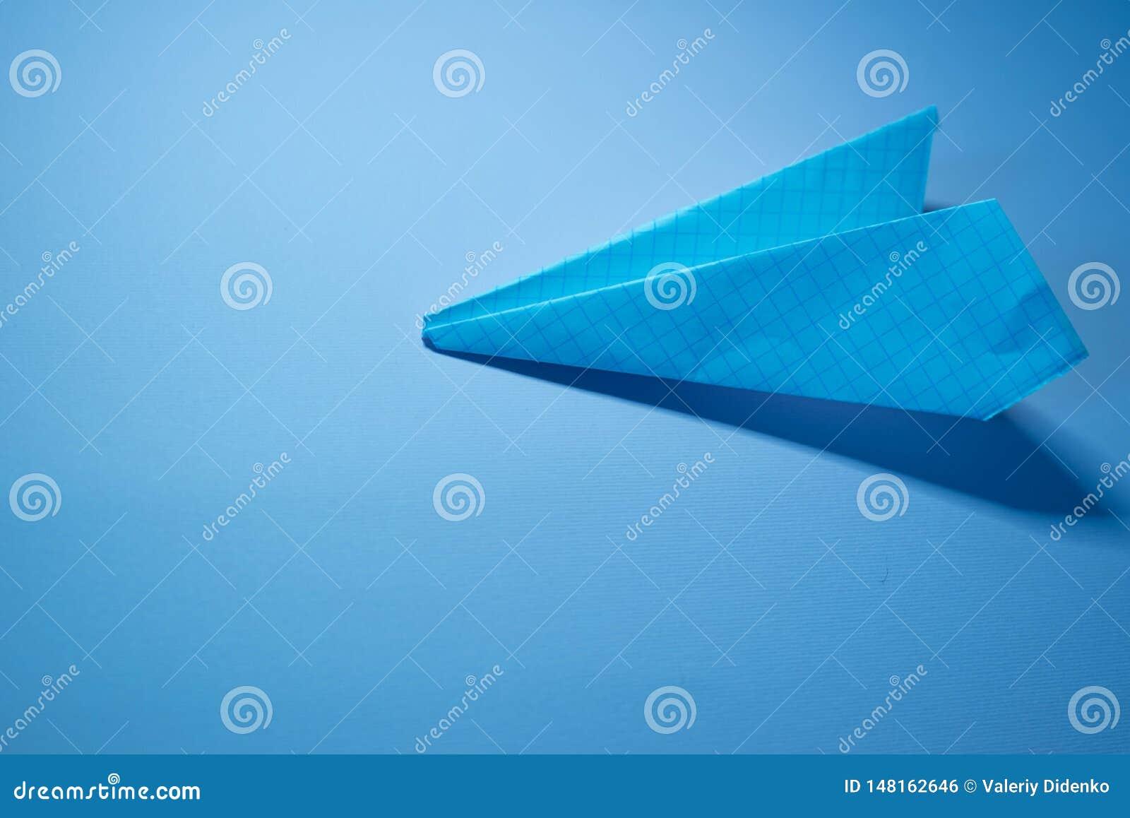 Der Entwurf des Herstellungspapierplans - origami