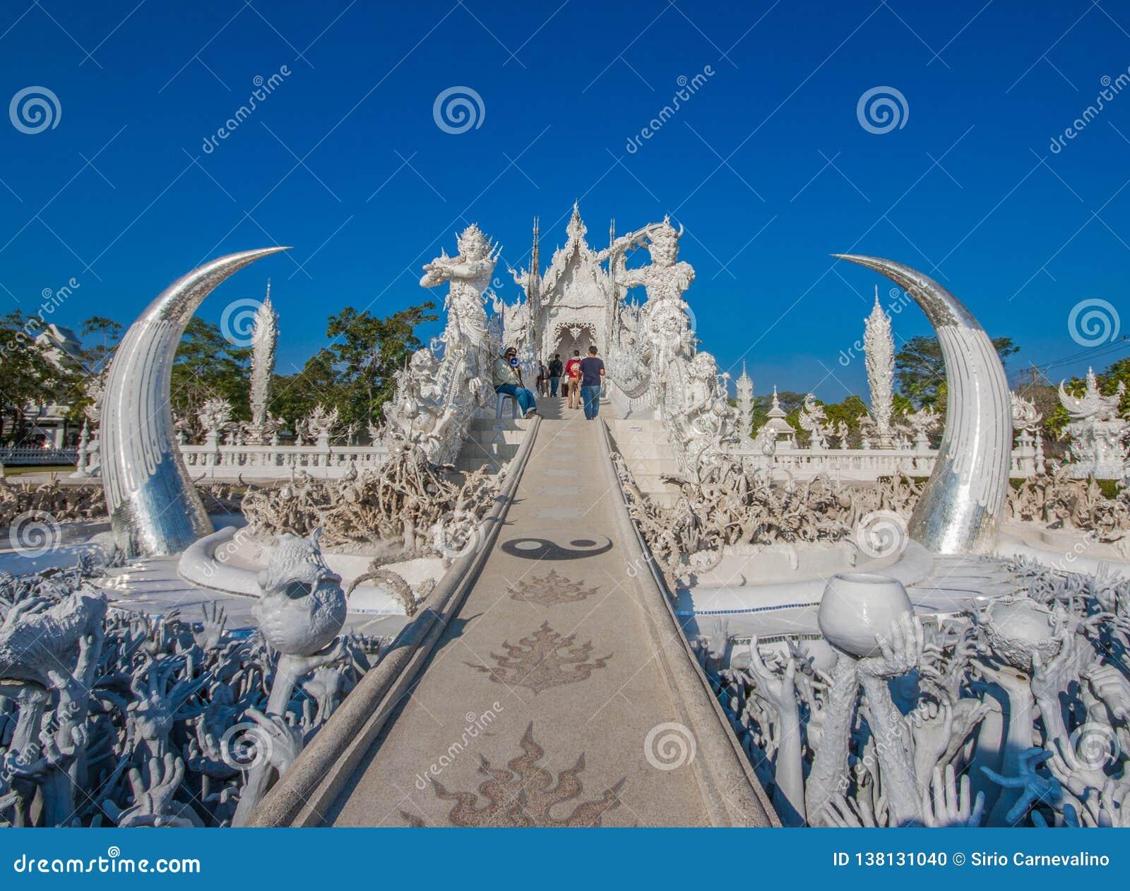 Der erstaunliche Wat Rong Khun-Tempel von Chiang Rai, Thailand