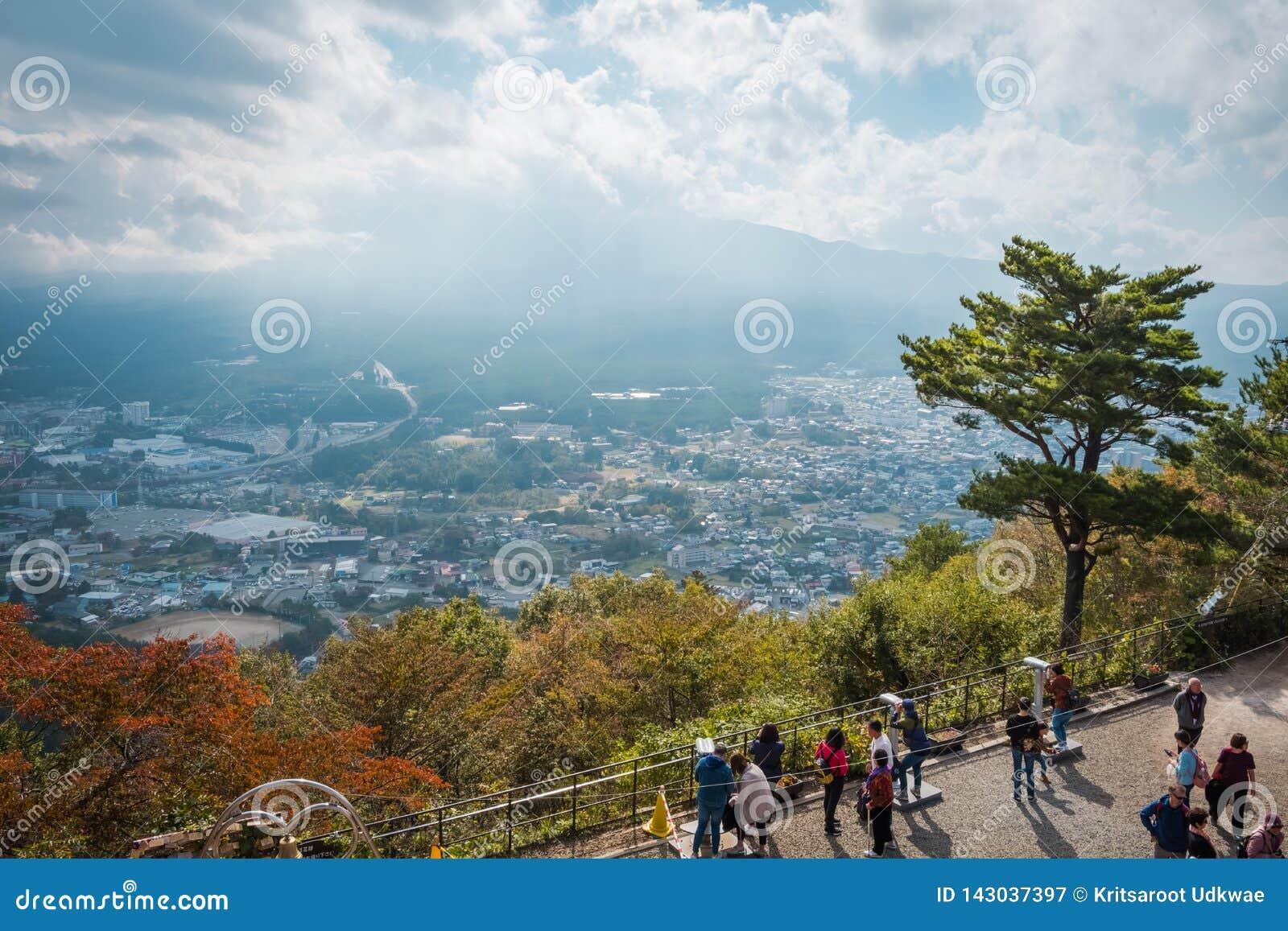 Der Fujisan und See Kawaguchi-Ansicht von Mitsutoge-Berg in Japan