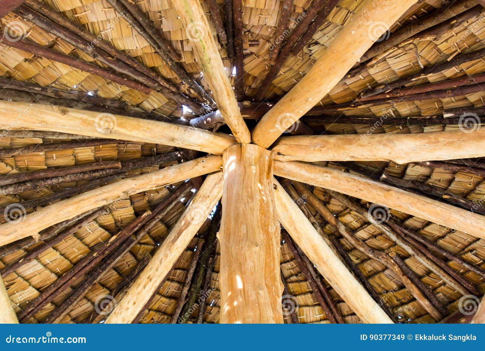 Der Hölzerne Dachrahmen, Schindeln, Dachrahmen Stockbild - Bild von ...