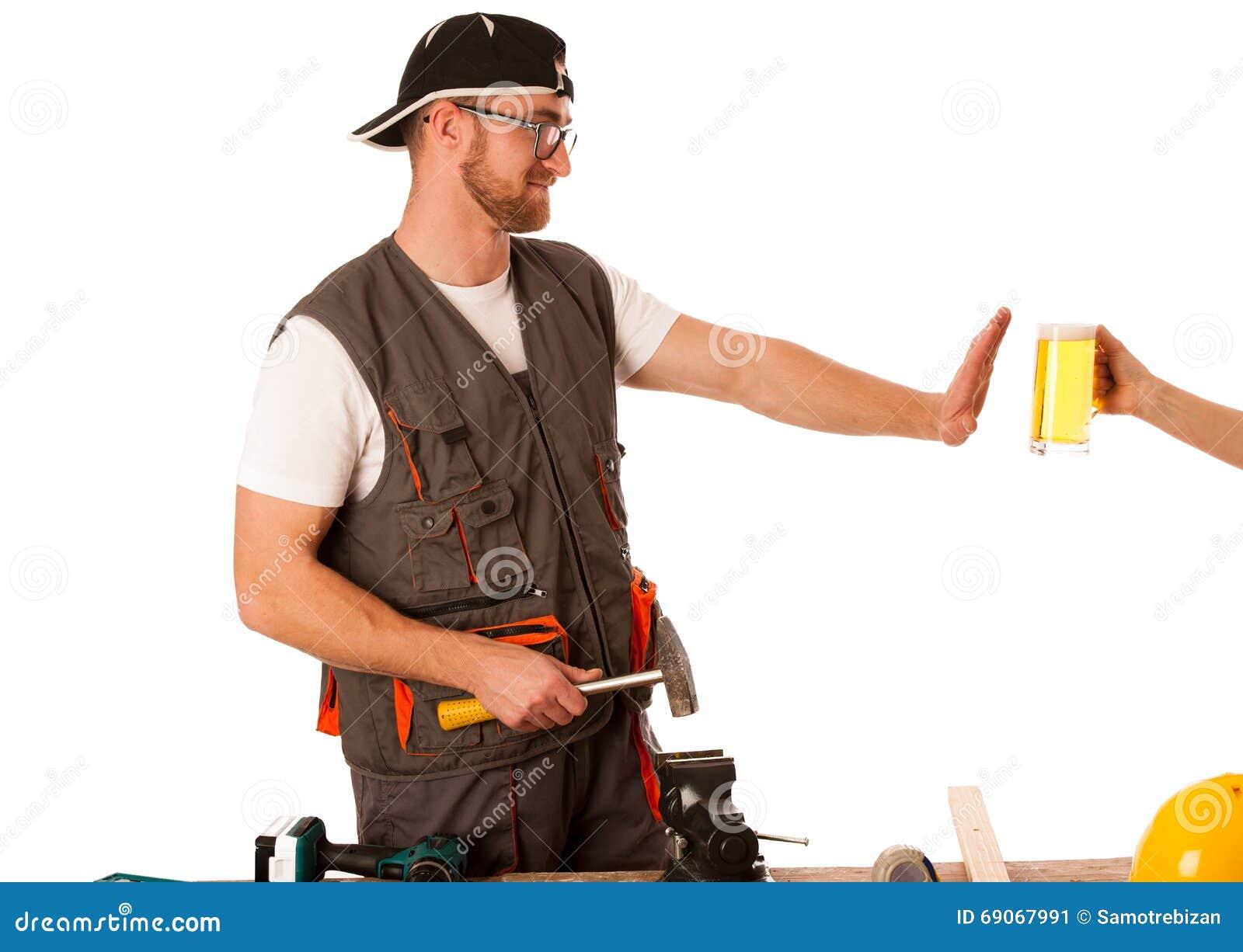 Der Heimwerker In Der Arbeitskleidung Bier Ablehnend, Trinken Nicht ...