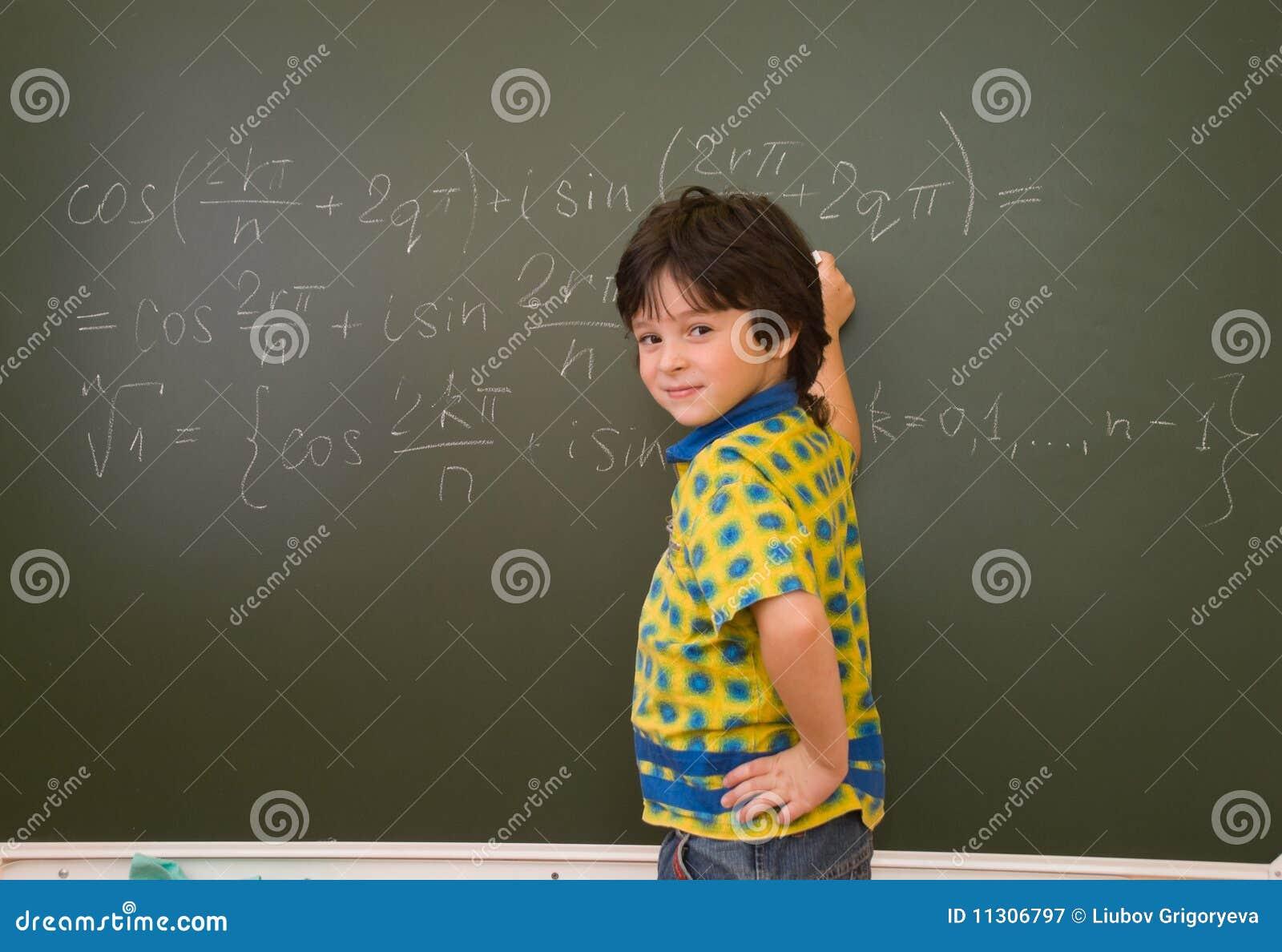 Der Junge an der Tafel