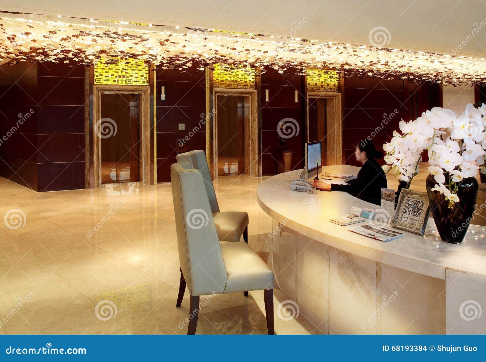 Der Korridor des Hotels