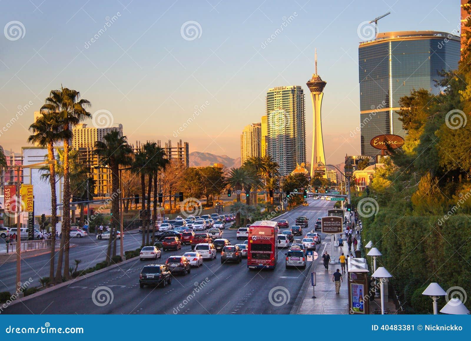 Las Vegas: Tote, Verletzte geehrt, auf Streifen, als die