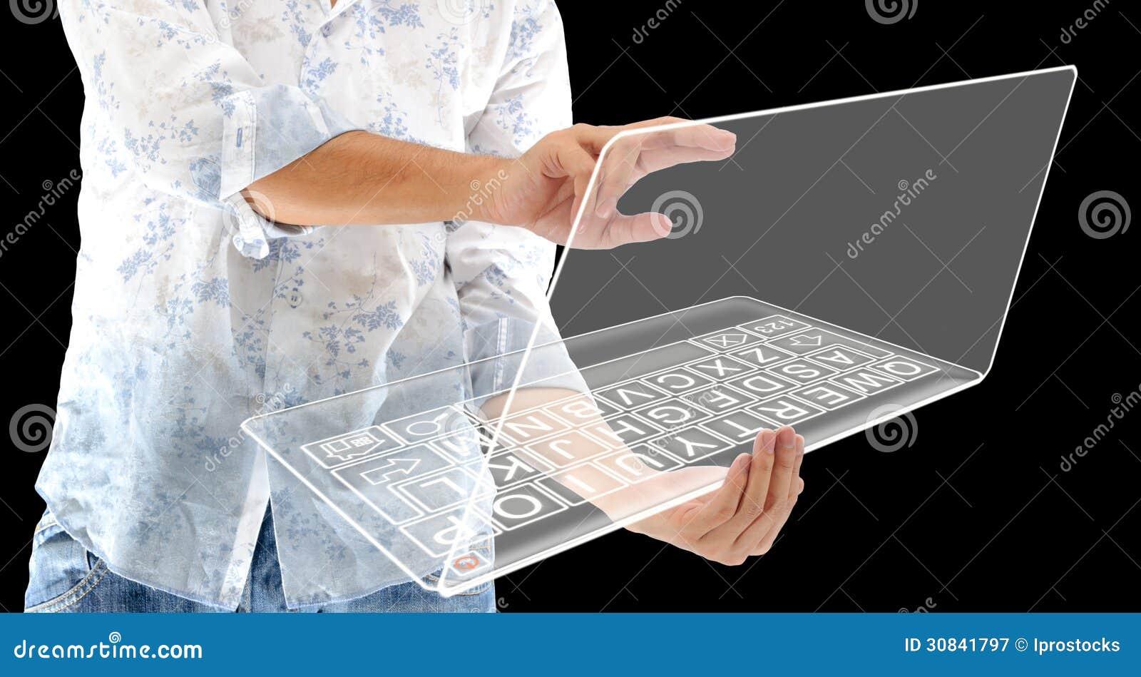 Der Mann mit zukünftigem Technologiecomputer