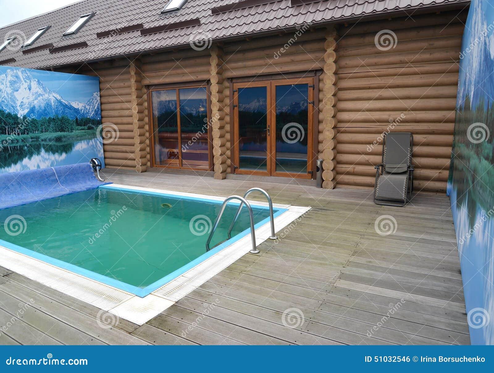 Welchen Fußboden In Der Sauna ~ Der swimmingpool im freien im gebiet einer sauna kaliningr stockfoto