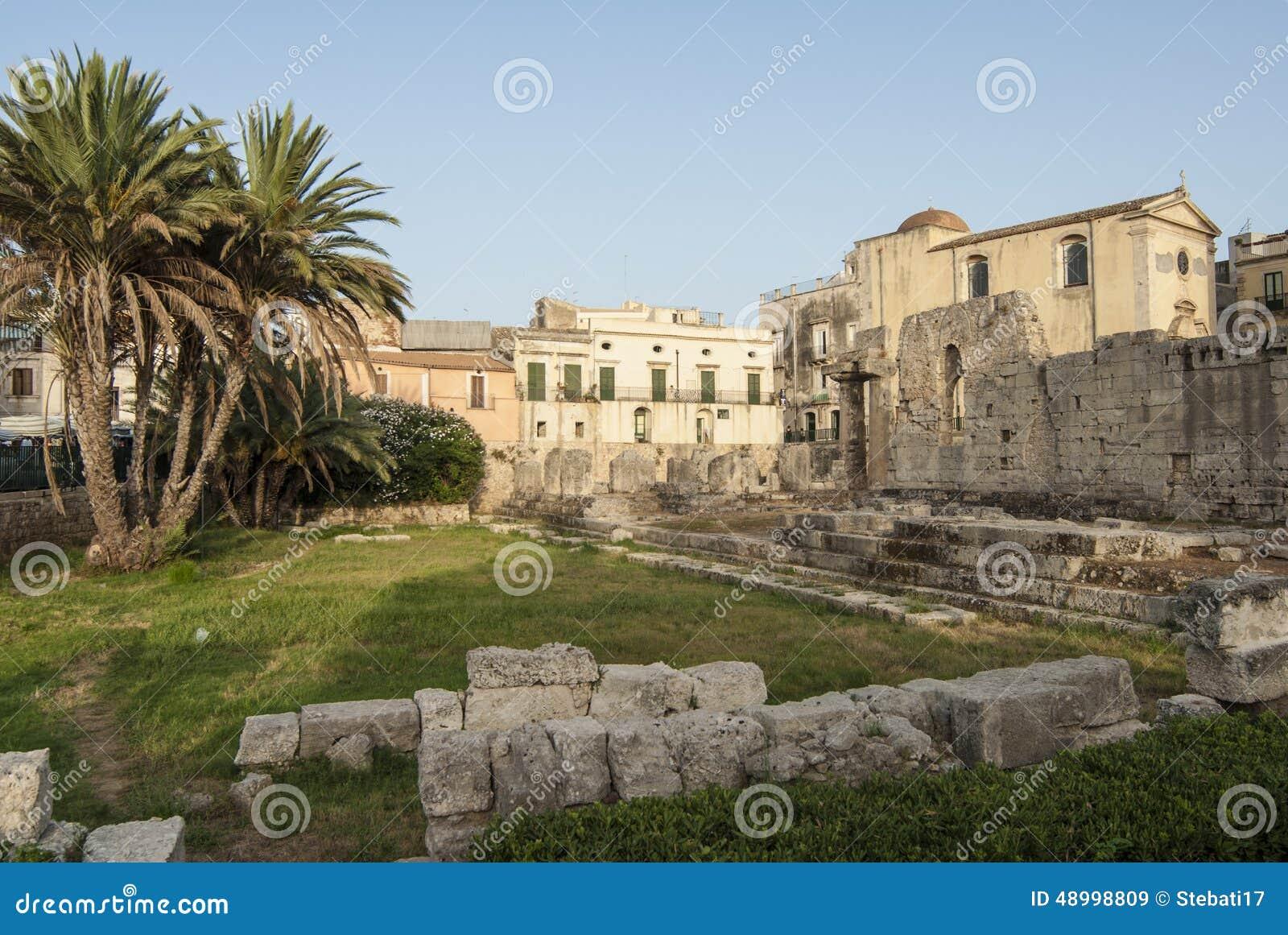 Der Tempel Von Apollo-ortigia Syrakus Sizilien Italien ...
