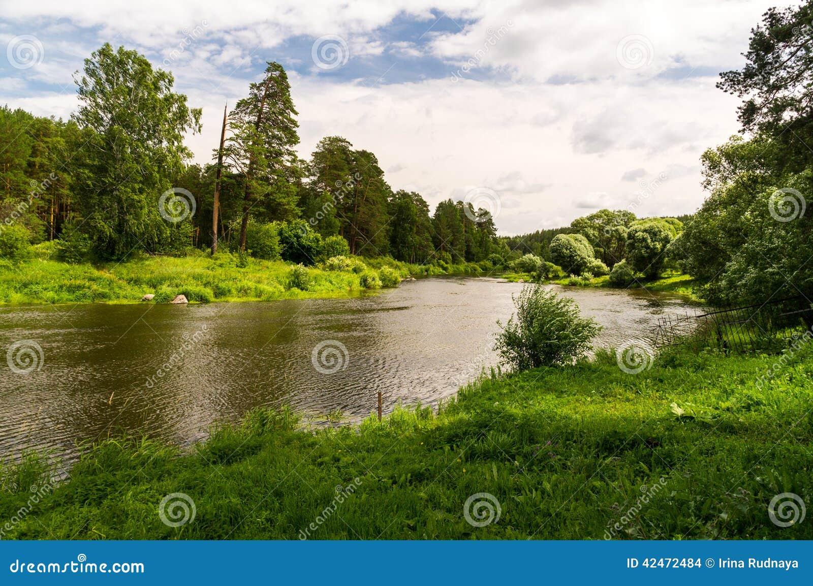Der Ural-Fluss im Holz