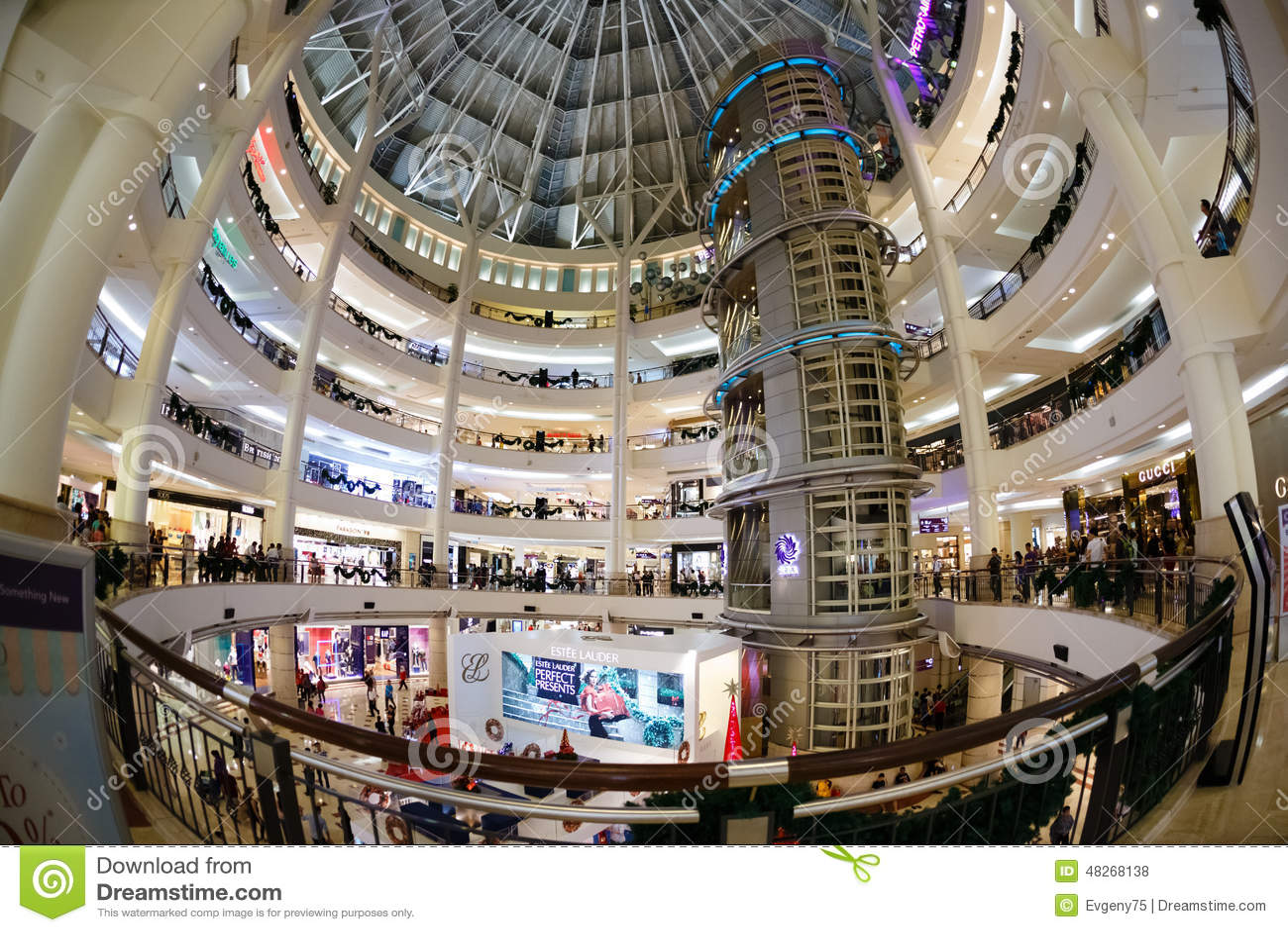 Der Verkauf Des Weihnachtsneuen Jahres In Einem Großen Mall ...