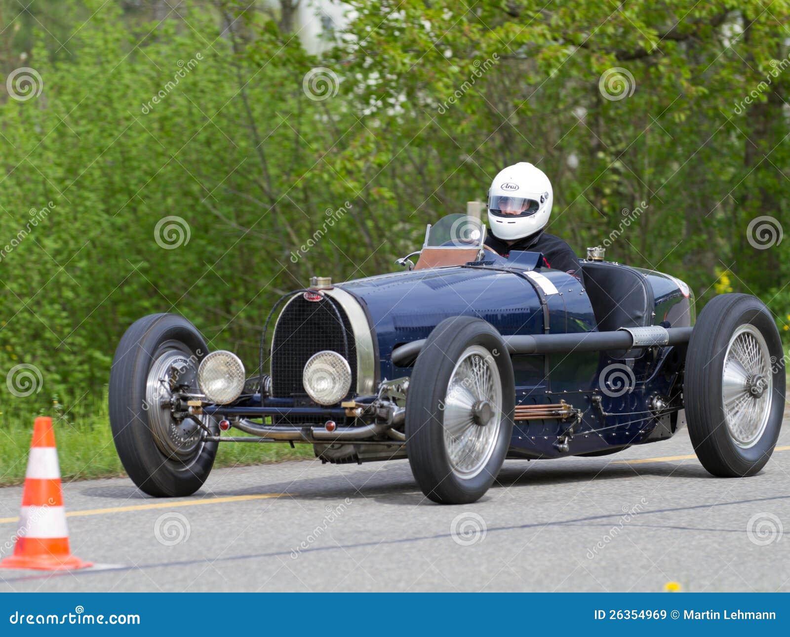 Der Weinlese Krieg-Rennwagen Bugatti T vor