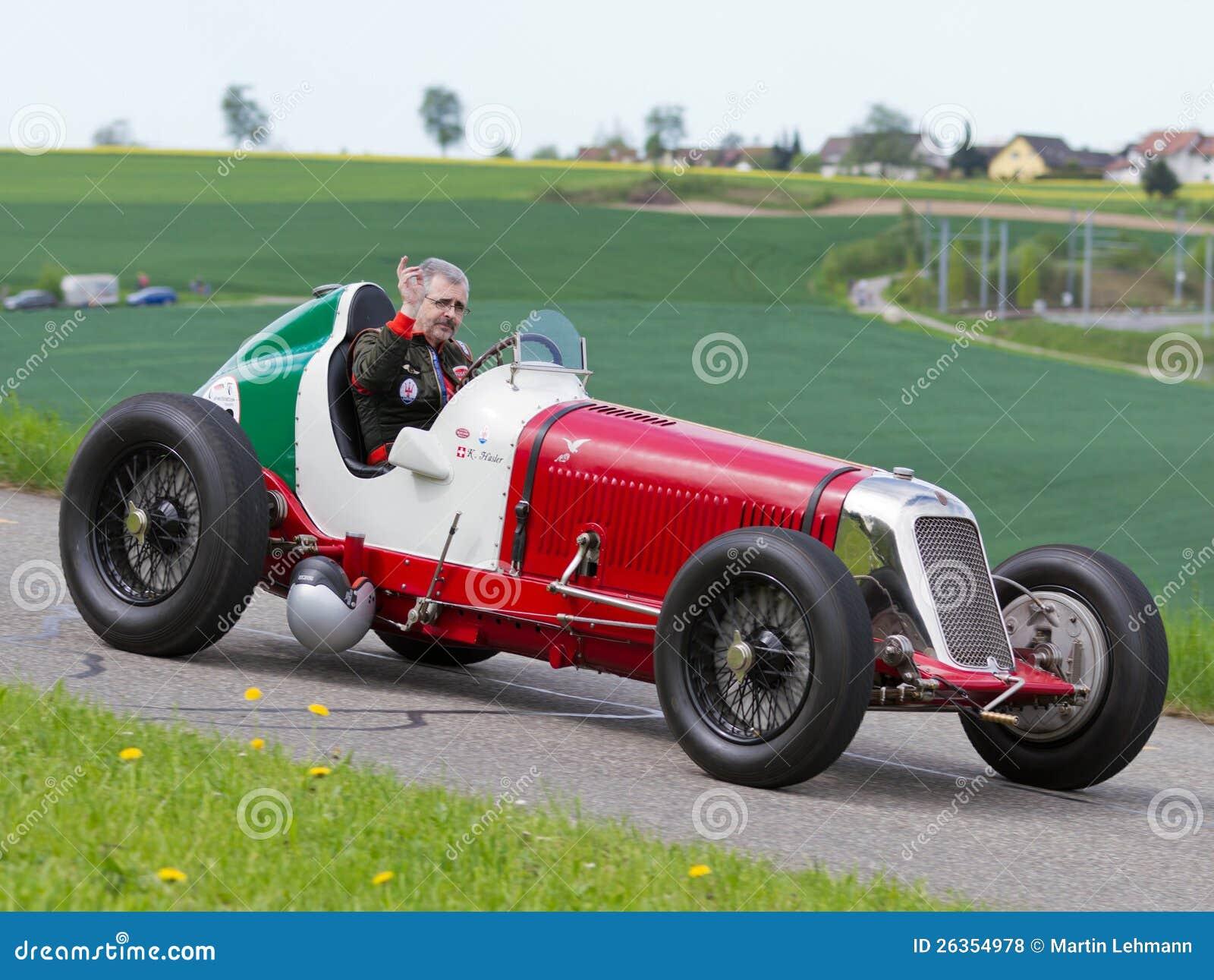 Der Weinlese Krieg-Rennwagen Maserati vor