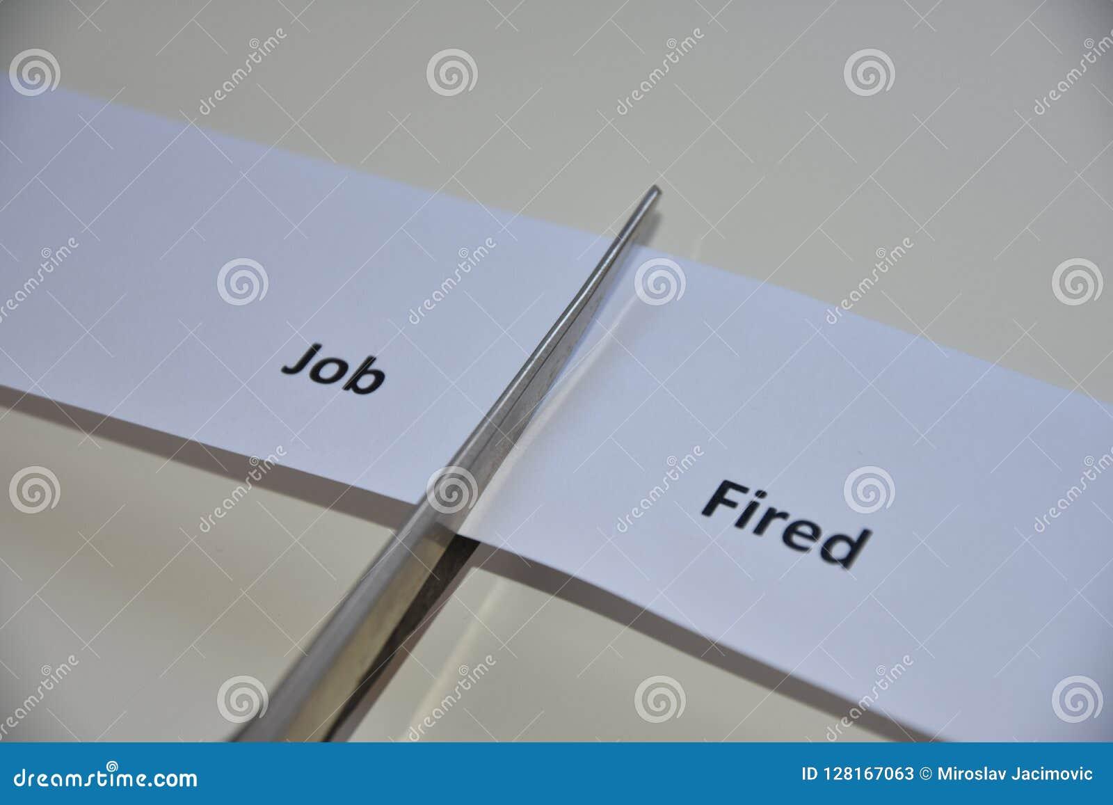 Der Widerspruch zwischen zwei Entscheidungen: Job oder abgefeuert