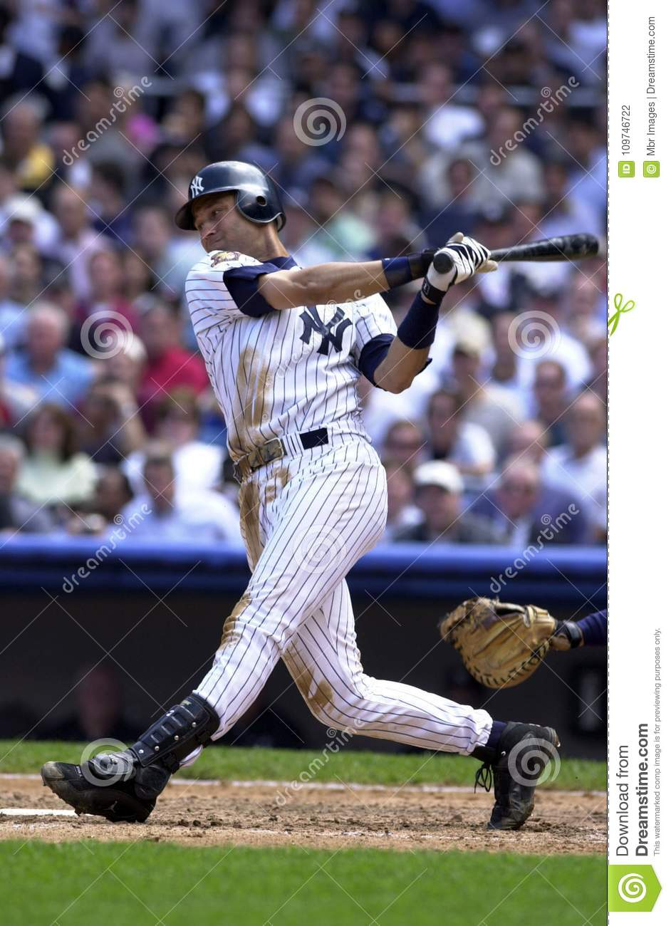 Derek jeter swinging does