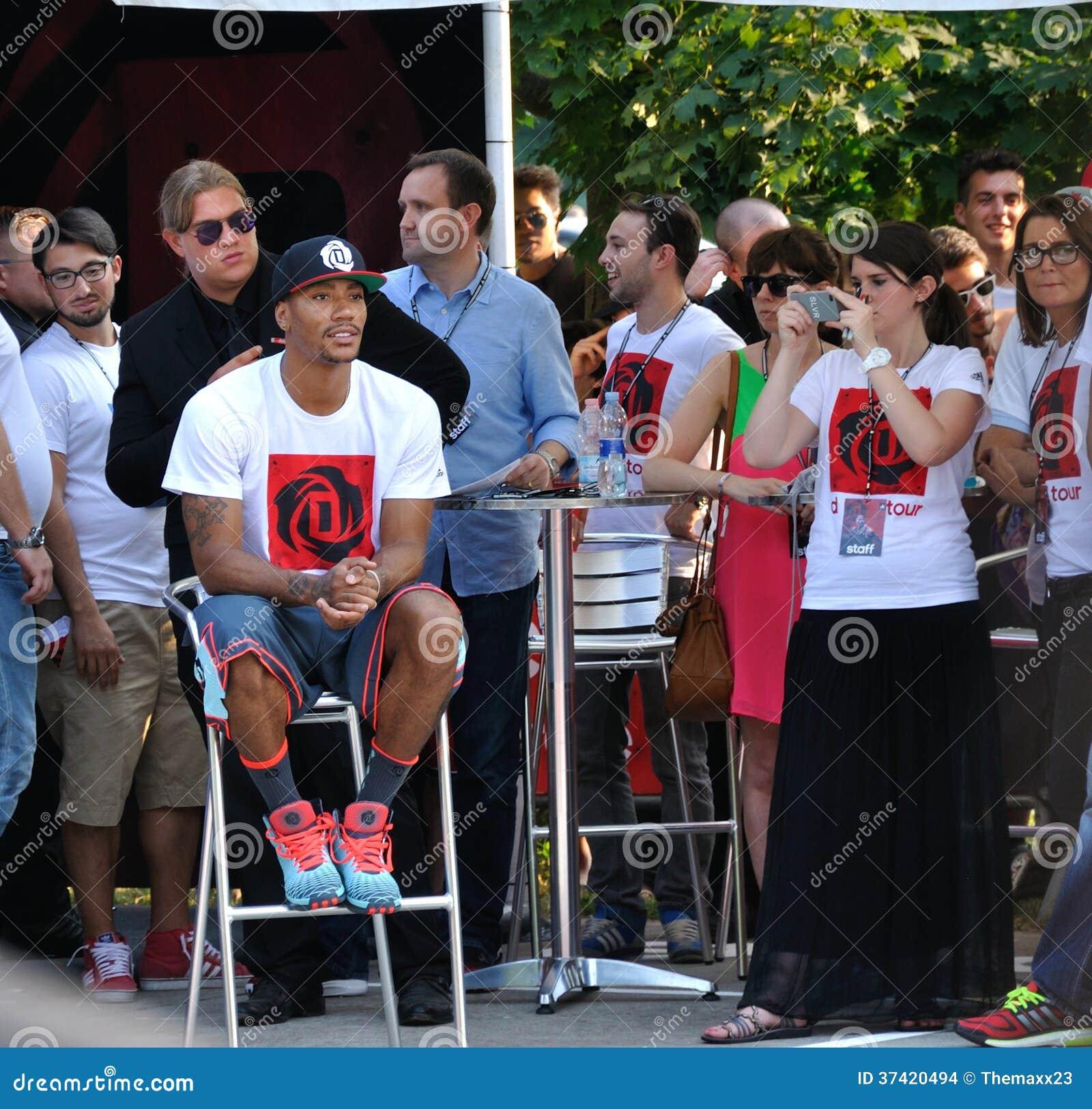 Derrick Rose Milan Tour 2013