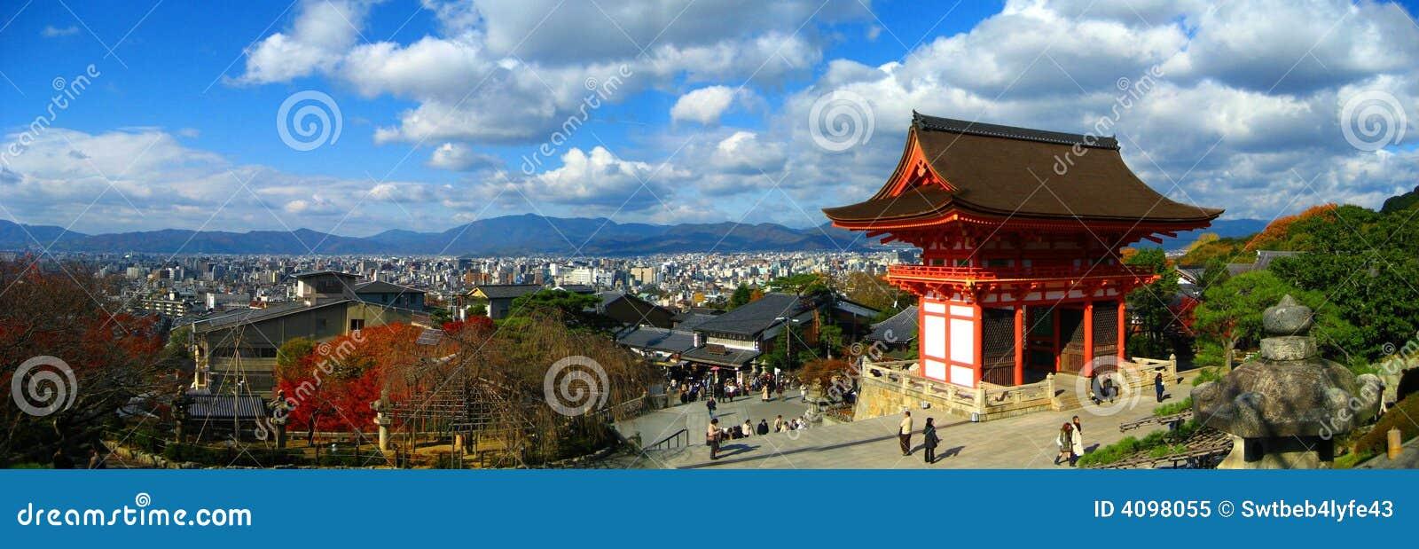 Dery kiyomizu panoramiczna świątyni