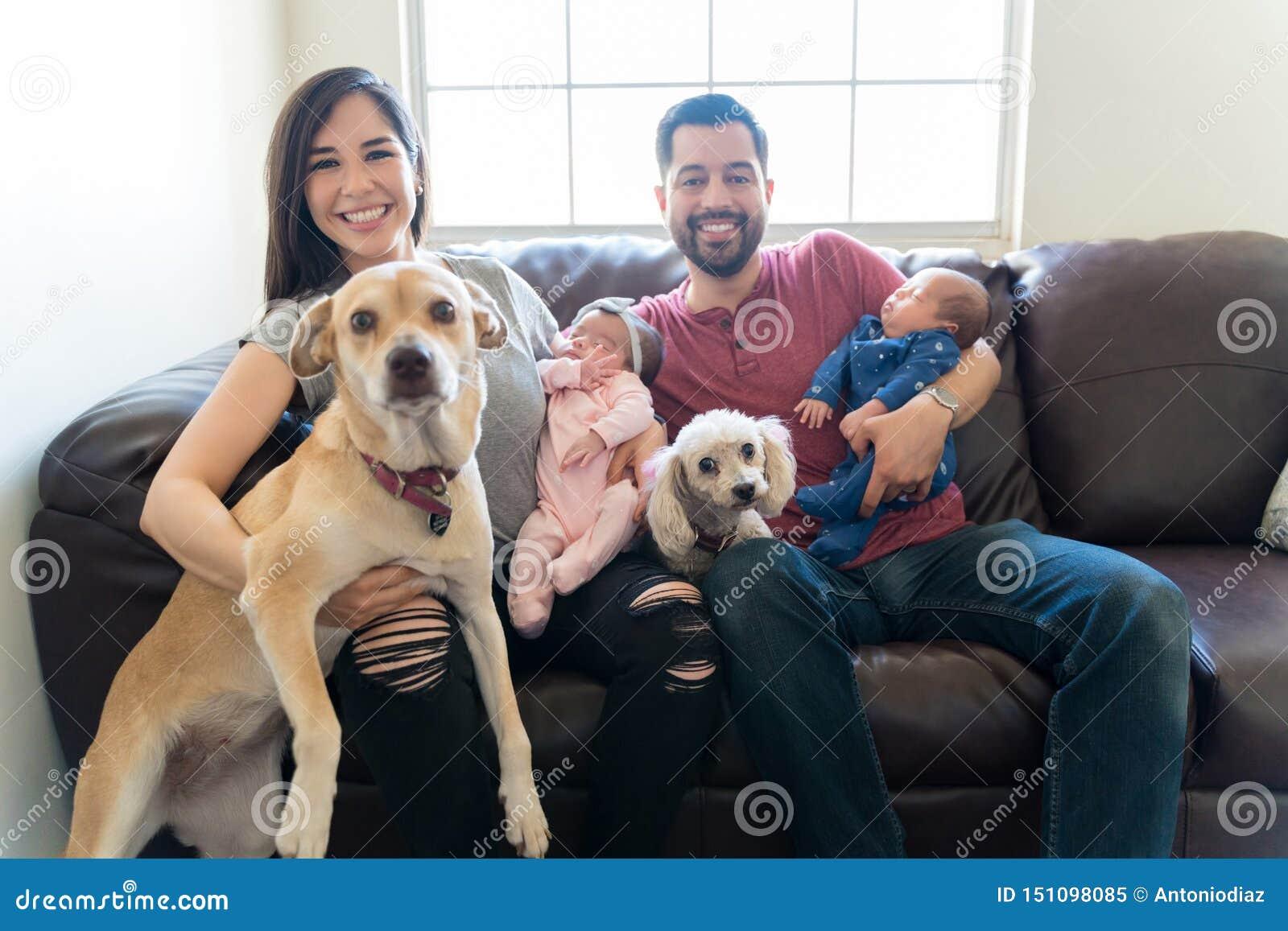 Des familles devraient toujours être entourées par l amour