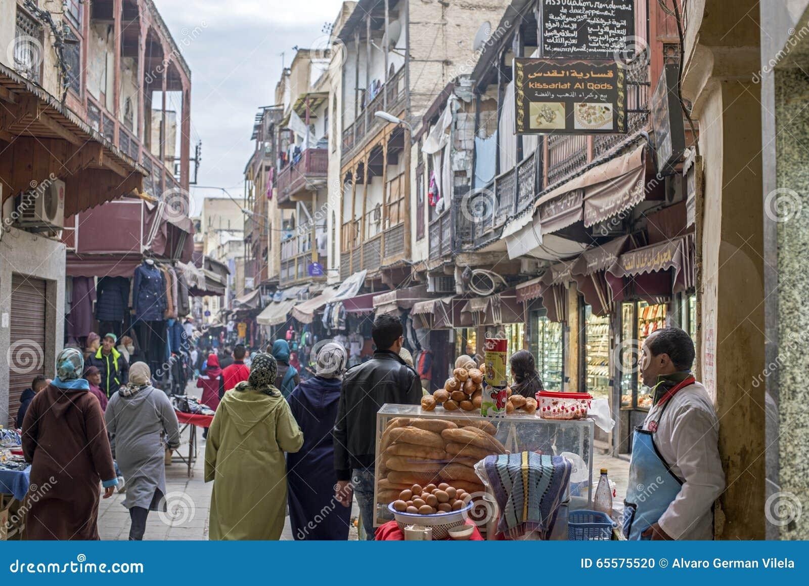 DES Merinides da rua em Mellah, quarto judaico, EL Jdid do fez marrocos