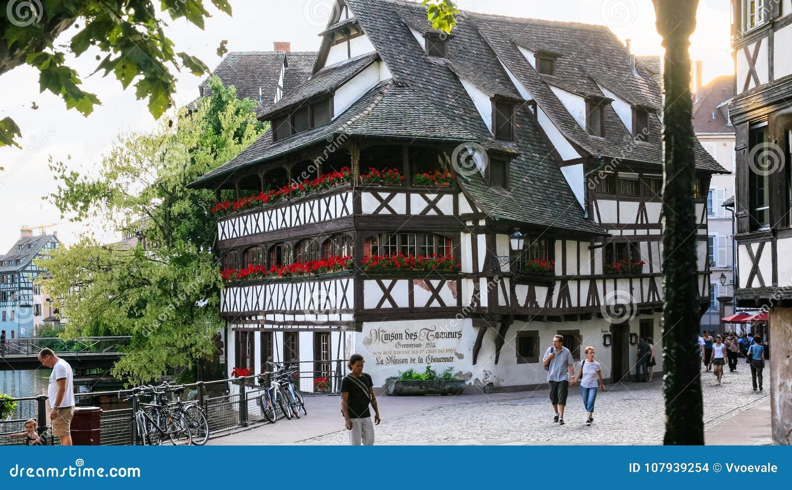 DES Mitad-enmaderado Tanneurs de Maison en Estrasburgo