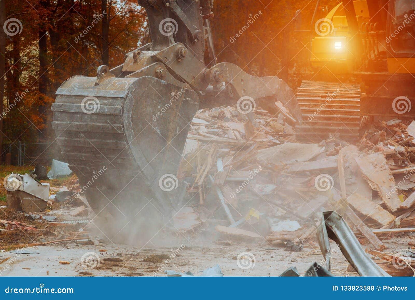 Desarme de la casa de la tragedia de la casa
