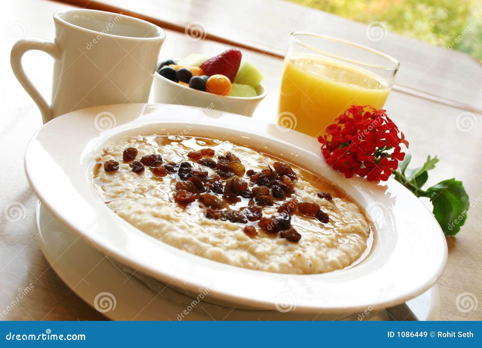 Desayuno sano de la harina de avena imagen de archivo - Cocinar harina de avena ...