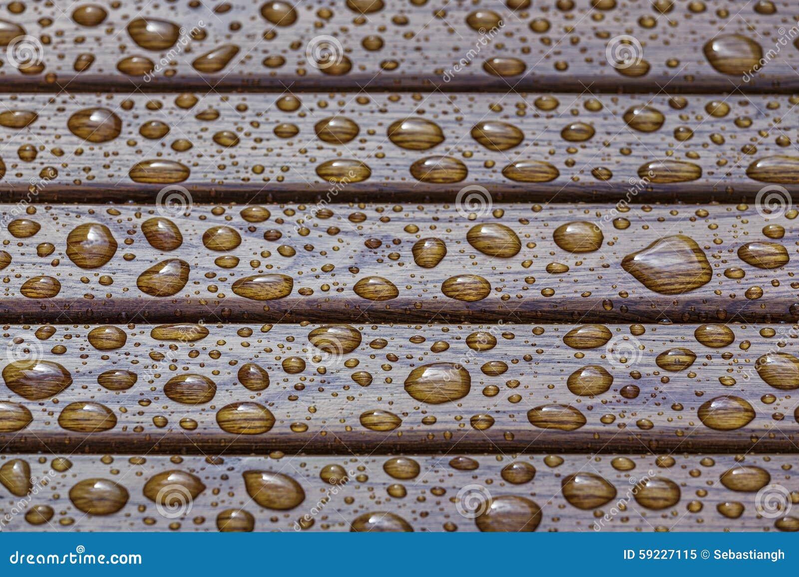 Download Descensos Del Agua En La Madera Imagen de archivo - Imagen de humedad, puro: 59227115