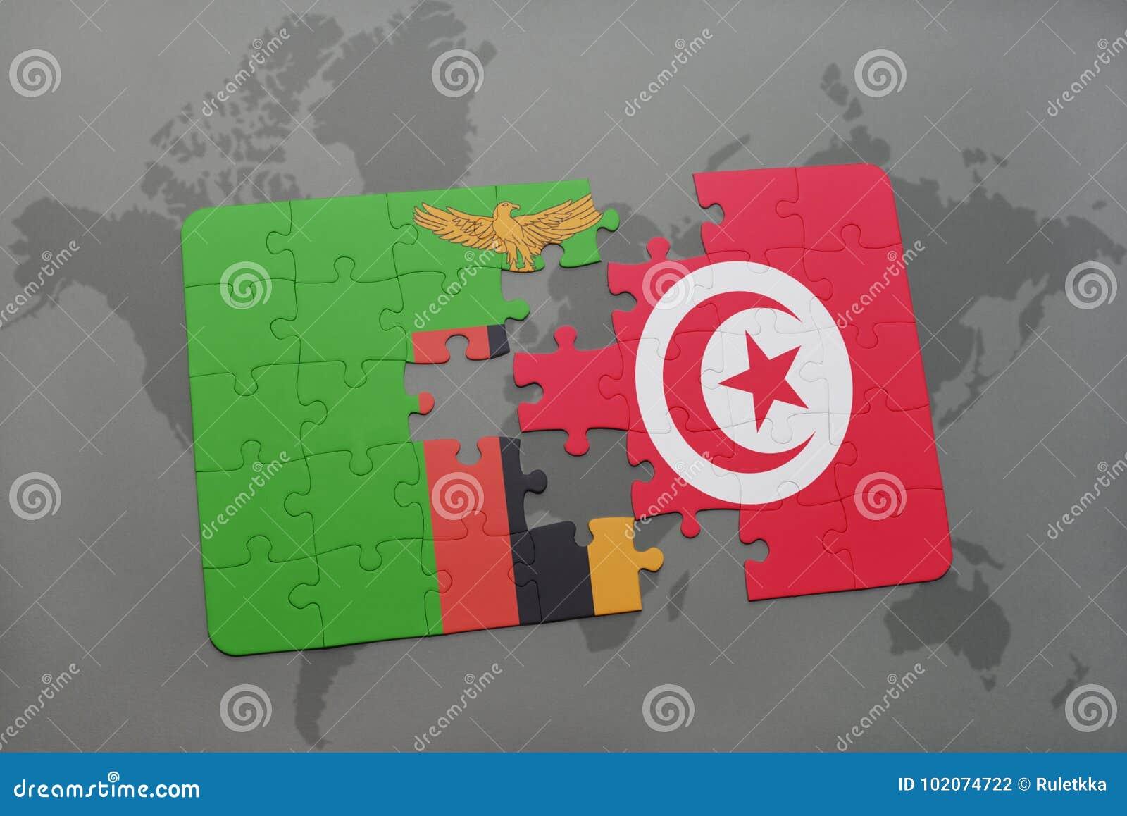 Desconcierte con la bandera nacional de Zambia y de Túnez en un mapa del mundo