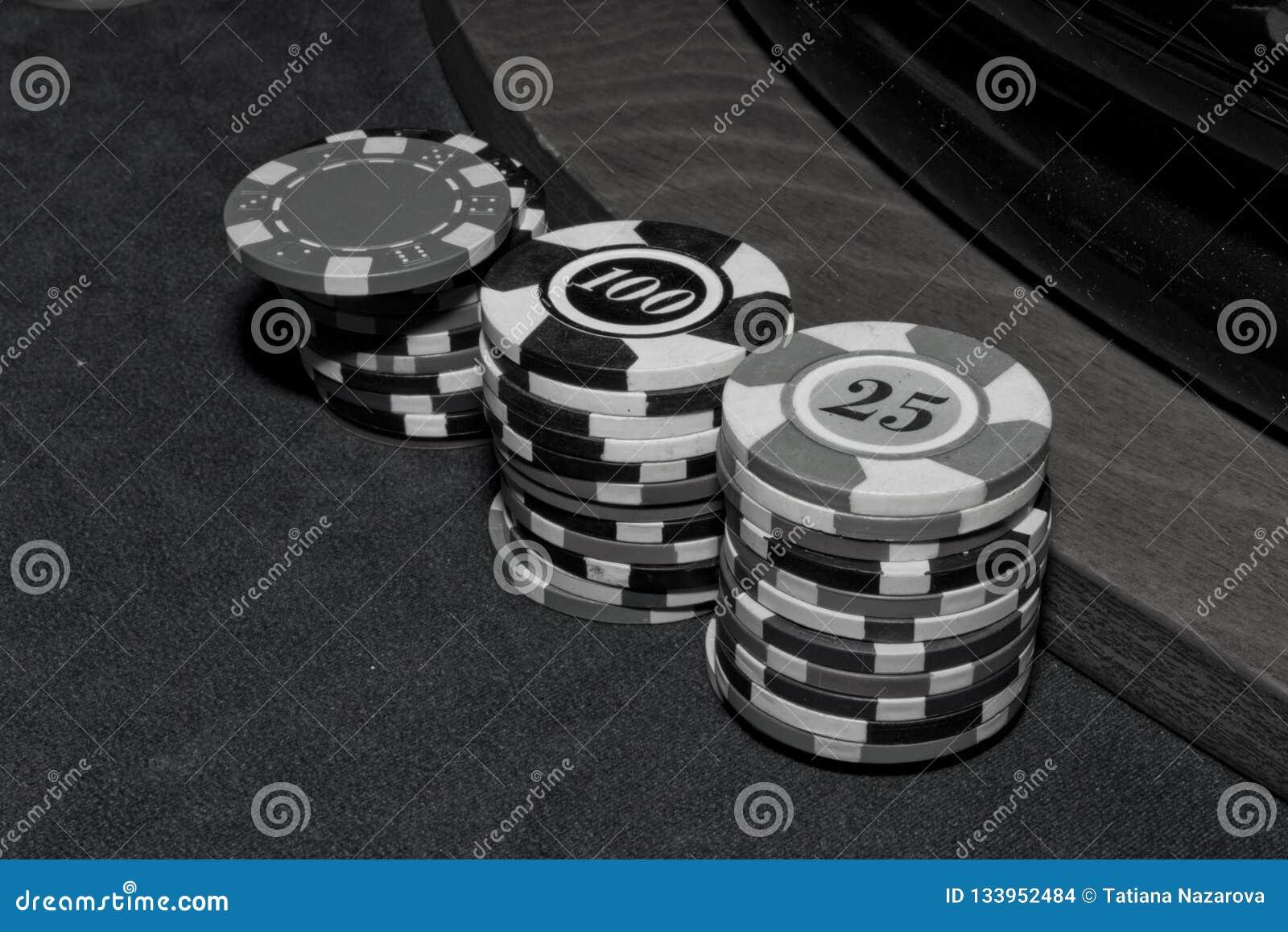 Desconta no casino, preto e branco