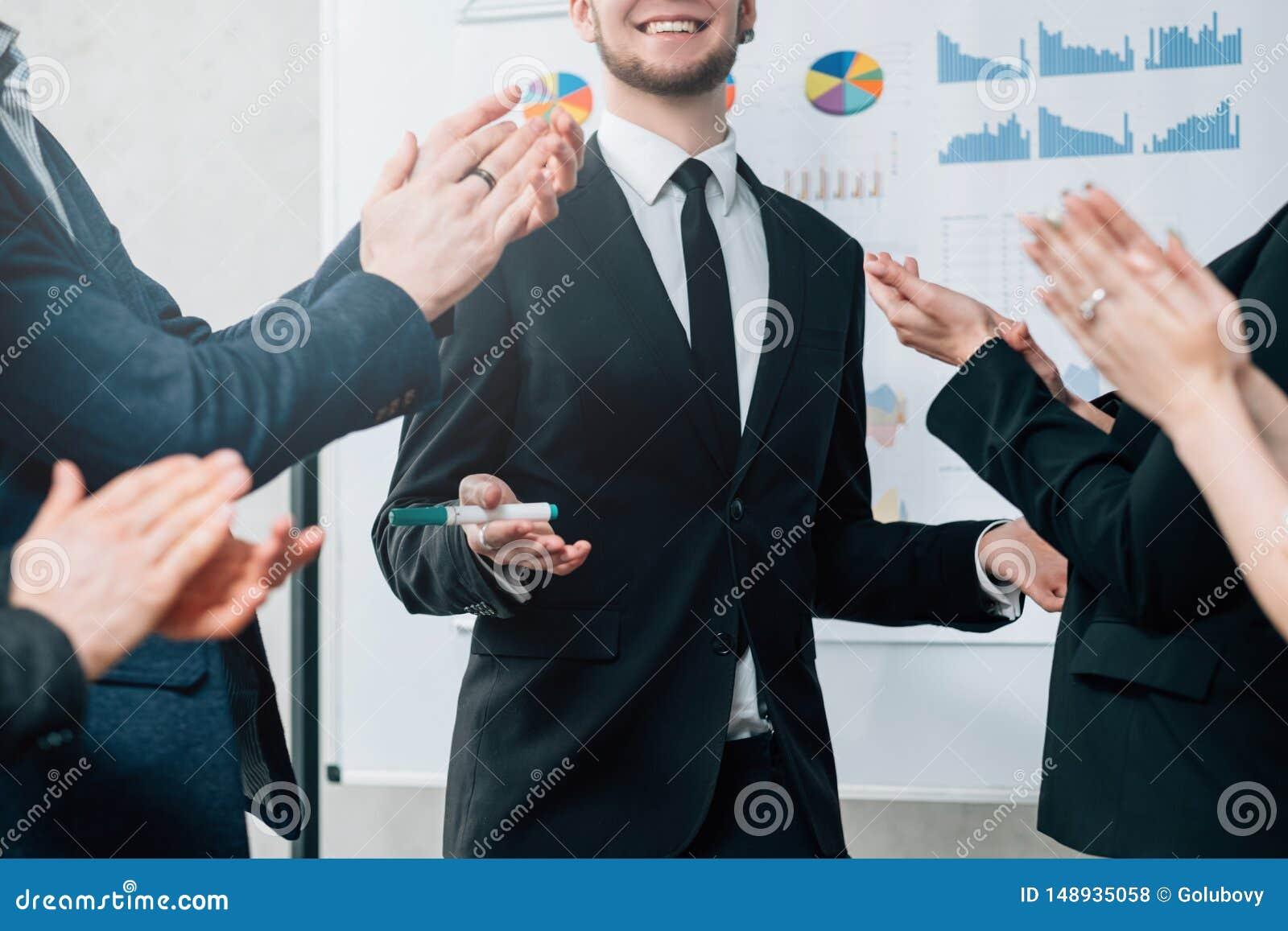 Desempenho bem sucedido da estrat?gia empresarial eficaz