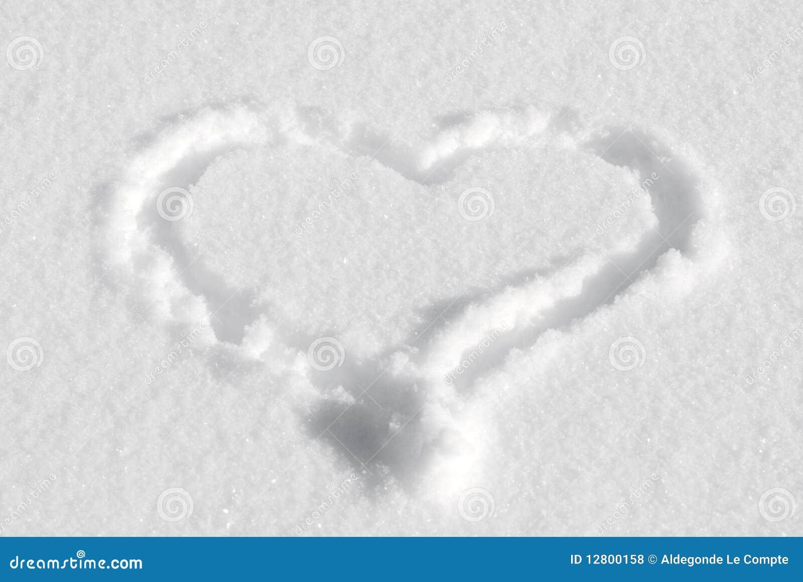 Desenho do coração na neve