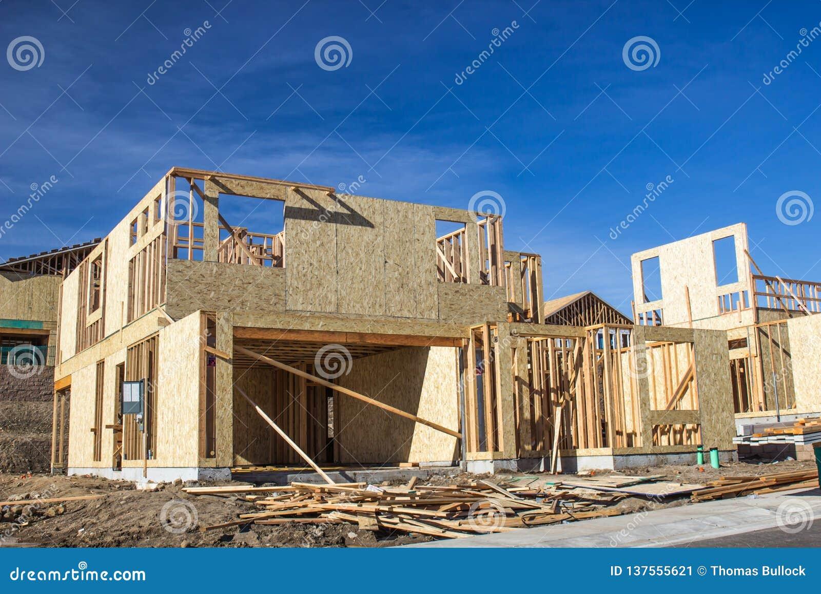 Desenvolvimento de novos domicílios na fase de quadro da construção