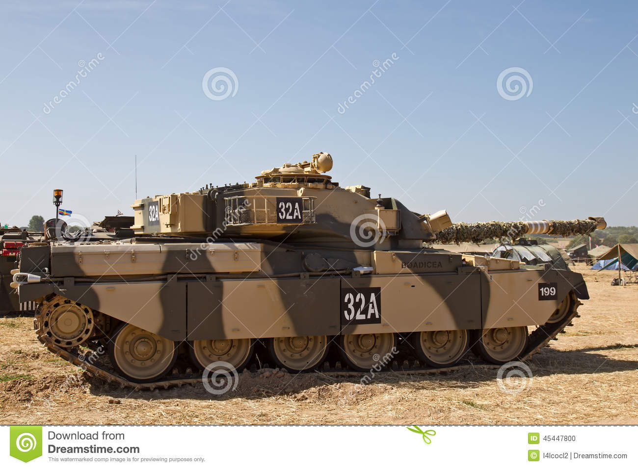 WESTERNHANGER, UK - JULY 19: An ex British army Chieftain tank painted ...