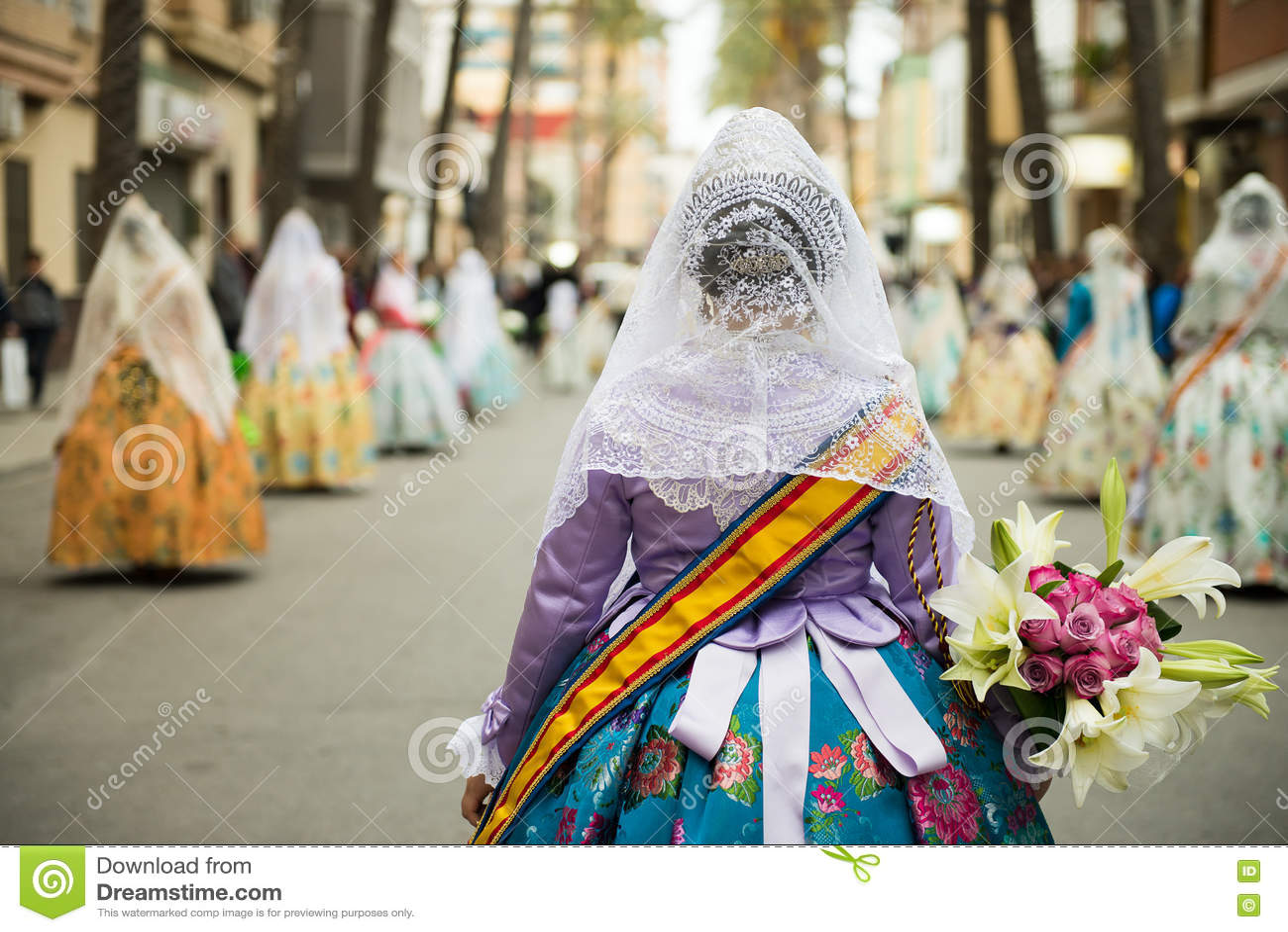 Desfile de Fallas en Valencia