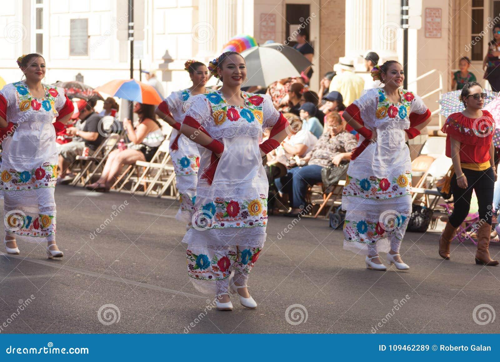 Desfile de los días del ` s Charro de los niños de BISD