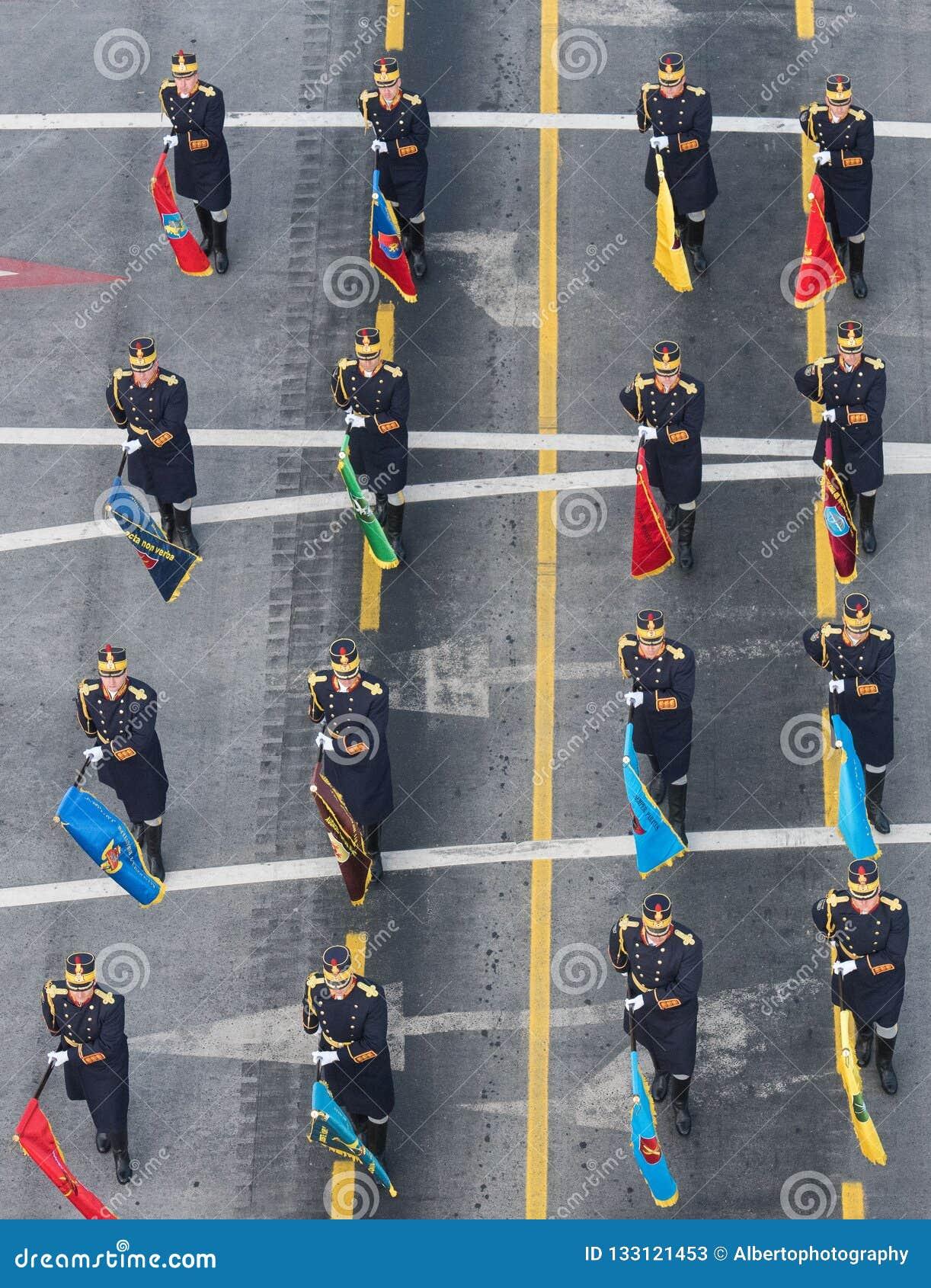 Desfile militar que celebra el día nacional de Rumania