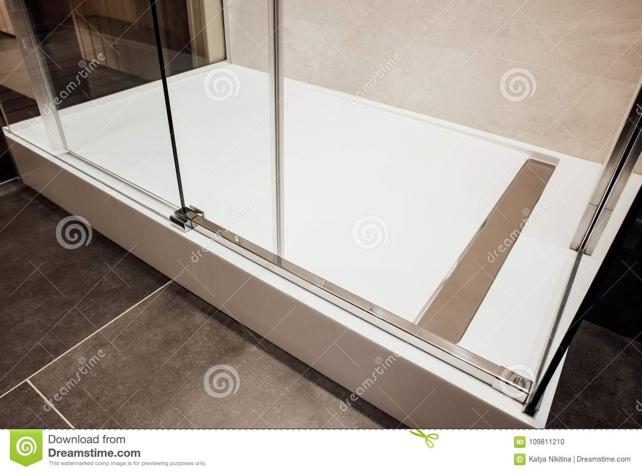 The Design Of Glass Walls And Sliding Glass Doors And Lower Metal