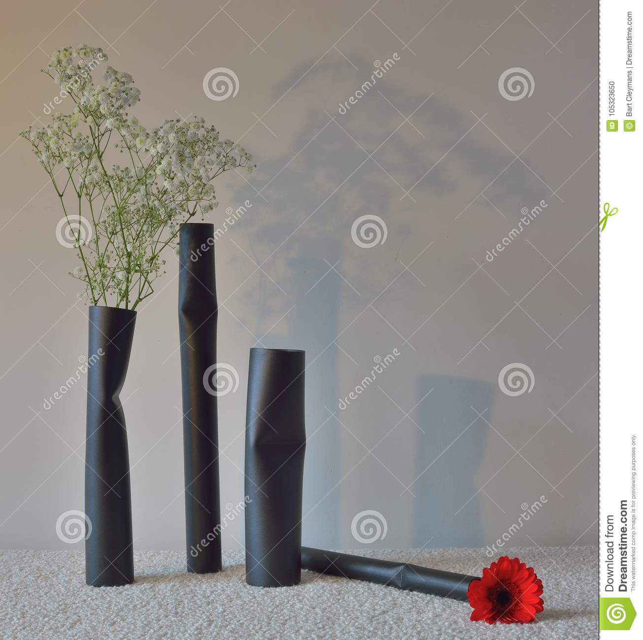 Design Pieces, Beautiful Modern Flower Vase. Metal, Loic.