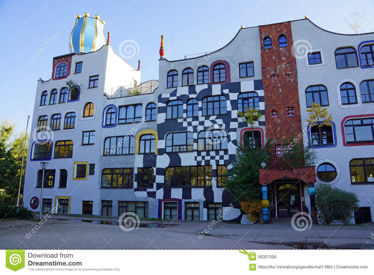 design schule in deutschland durch hundertwasser stockfoto bild 66307506. Black Bedroom Furniture Sets. Home Design Ideas